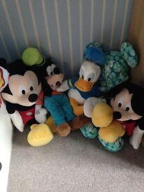 Disney characters Mickey, Donald & goofy