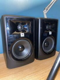 "JBL Professional 305p MKII 5"" 2 Way Powered Studio Reference Monitor"