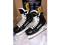 Bauer S190 Senior Ice Skates size 9.0EE, Immaculate, Used Once