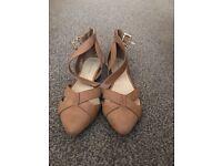 Women's tan sandals, size 5