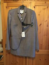 Reiss size 10 suit brand new