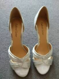 Lovely shoes size 5