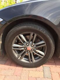 Jaguar XF wheels and tyres 17 inch