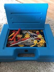 LOVELY BIG BOX OF KNEX