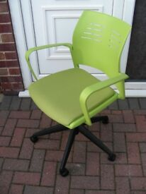 Office Arm Chair Modern Green Padded Seat Swivel Gas Lift Height Adjustable on Casters
