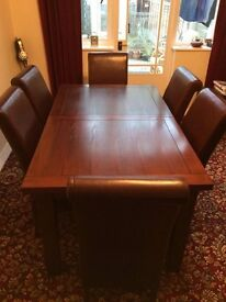 Dining Table, Chairs and Sideboard in Great Condition