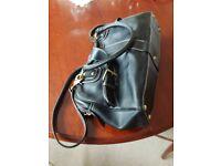 Ladies black leather bag..