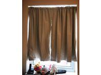 Shower curtain, good condition (RFF)