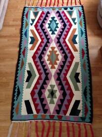New hand made short napped coarse carpet