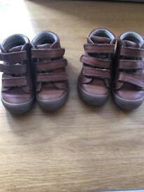 Boys tan leather boots size 7