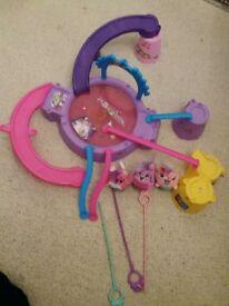 spinning animals, disco & lights. Fun toy