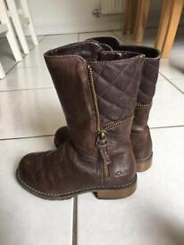 Girls Clarks Boots 9 1/2 G