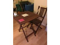 Table set with 2 chairs