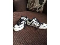 Converse trainers girls size 11. £8 ono