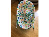 Bouncy baby chair *** very good used condition***
