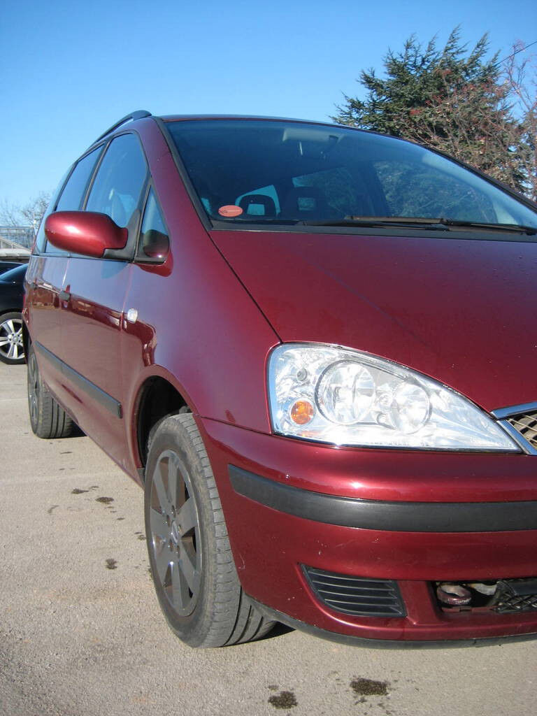 Ford Galaxy - fantastic low mileage MPV great condition with LPG