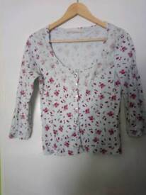 Pull & Bear rose pattern and lace top 3/4 sleeves, size 8