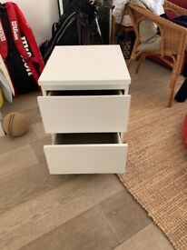 White Bedside table / drawers