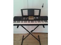 YAMAHA YPT-220 keyboard + stand for £50