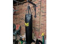 Everlast Punch Bag with bracket