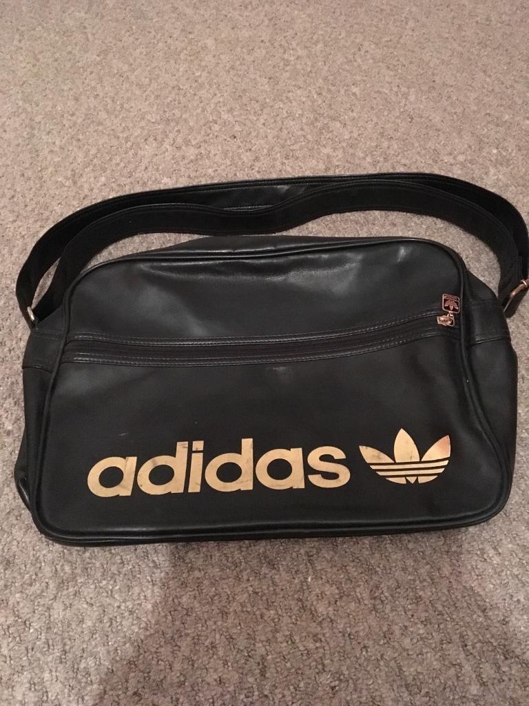 Retro Adidas bag black and gold