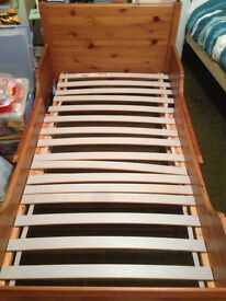 Extendable bed frame