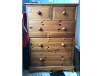 Chest of drawers £20, collection