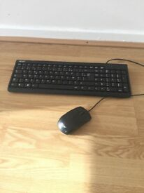 Acer plugs - mouse and keyboard