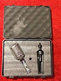 Thomann T Bone Skull Microphone in secure carry case