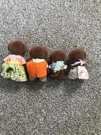 Sylvanian families, chocolate Labrador dogs