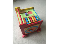 Fisher price box walker, fantastic sturdy walker to help little ones learn by themselves