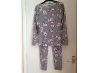 Ladies Floral Soft Fleece Pyjames Size M(10/12) More a size 10 Brand new Will post