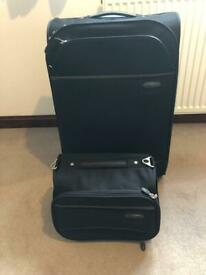 CARLTON hold size suitcase and Vanity Case