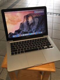 Mac Book Pro 13 Inch - Mid 2009 - 2.26 GHz Intel Core 2 Duo