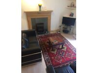 Short Term Let (1-3 months) Lovely two bedroom basement flat, situated in one of the New Town (426)
