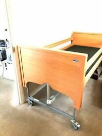 Electric Adjustable Bed With Deluxe Matress