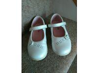 Off White/ivory leather shoes size 10f startrite