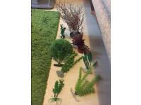 20£ Fish tank ornaments and plants
