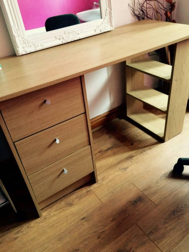 Desk tablein Shipley, West YorkshireGumtree - Desk with draws.very good condition