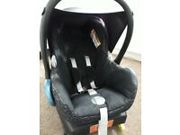 Maxicosi baby car seat and Isofix base