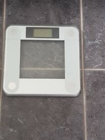 Ozeri Digital Bathroom Scale (200 kg / 440 lbs / 31 st)