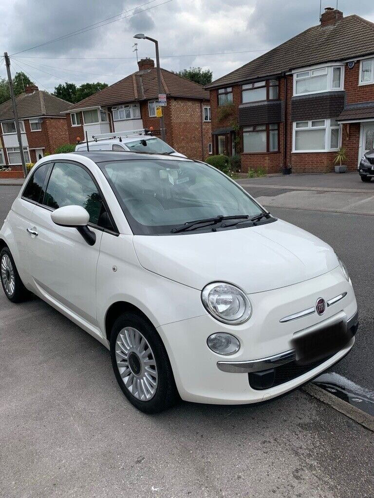 Fiat 500 lounge 1.2 white. Amazing condition Great first car