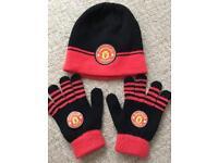 Boys Man Utd hat & gloves set age 6-8yrs