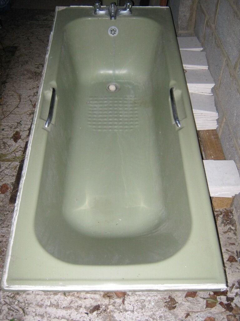 Avocado Bathroom Suite 1980s Avocado Bathroom Suite Bath Toilet Basin And Pedestal