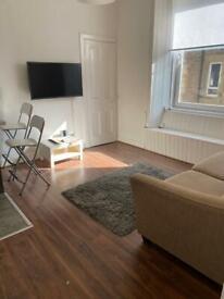 Meadowbank... First floor 1 double bedroom flat to rent