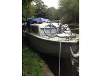River cruiser canal boat studio for one