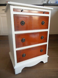 Bedside Table / Chest of Drawers