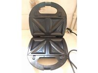 SilverCrest Sandwich Toaster with Waffle and Grill Accessories