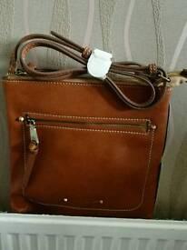 Fiorelli cross shoulder bag brown, zip