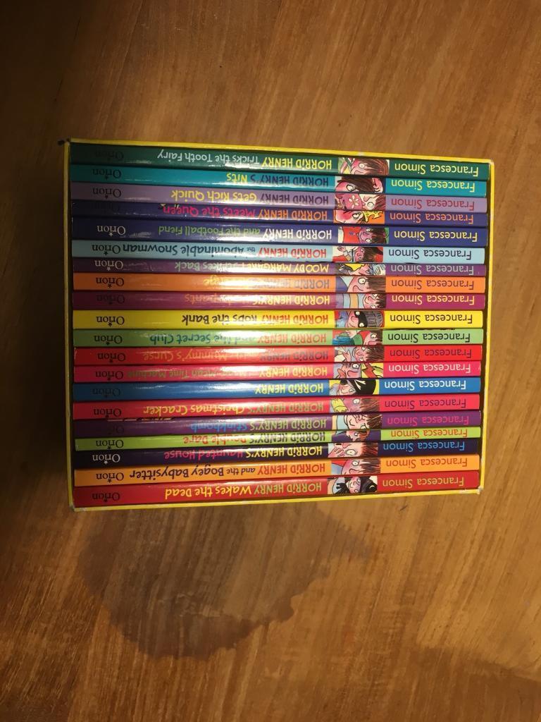 20 Horrid Henry books in presentation box